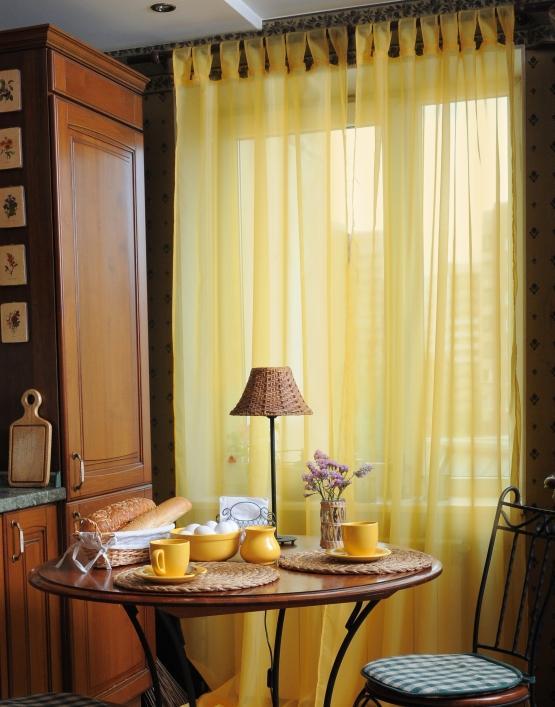 Желтая тюль в интерьере фото